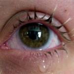 Почему человек плачет без причины