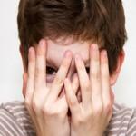 Если ваш ребенок стеснительный: причины и как помочь