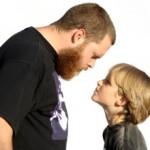 Конфликты между родителями и детьми: причины и решения