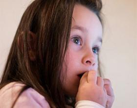Что делать если ребёнок грызёт ногти